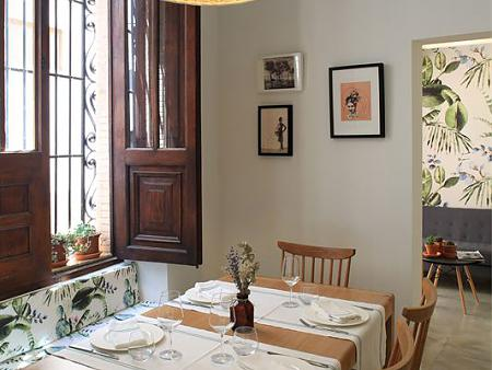Architecture and interior design of a gastronomic restaurant in the old town of Jávea