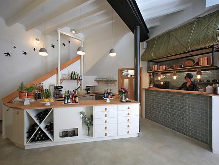 Arquitectura y diseño interior de un restaurante gastronómico en el casco antiguo de Jávea