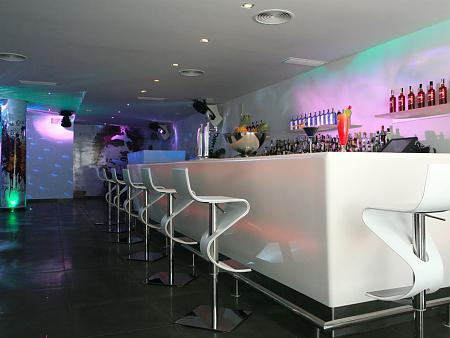 Dance bar Mystique