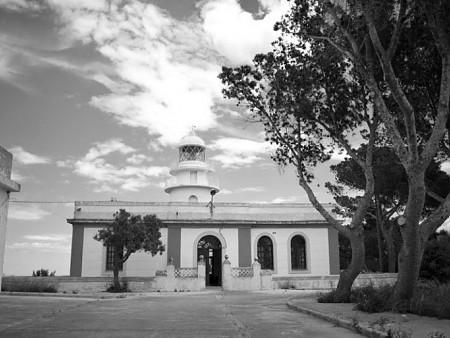 Conversion of the lighthouse Faro del cabo de Sant Antoni - Jávea