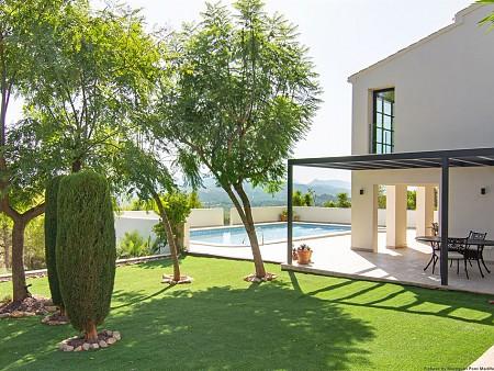 Ampliación y reforma de una vivienda unifamiliar lujosa en el Montgo Jávea - Denia